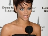 rihanna-lights-up-the-empire-state-building-in-honor-of-cartiers-love-day-04