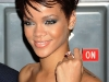 rihanna-lights-up-the-empire-state-building-in-honor-of-cartiers-love-day-05