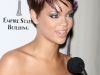 rihanna-lights-up-the-empire-state-building-in-honor-of-cartiers-love-day-06