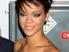 rihanna-lights-up-the-empire-state-building-in-honor-of-cartiers-love-day-07