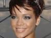 rihanna-lights-up-the-empire-state-building-in-honor-of-cartiers-love-day-11