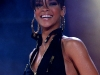 rihanna-performs-at-mtv-mobile-bang-concert-in-milan-02