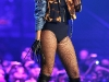 rihanna-performs-at-popstars-you-i-german-tv-show-06