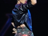rihanna-performs-at-the-y100-jingle-ball-in-sunrise-04
