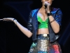 rihanna-performs-at-the-y100-jingle-ball-in-sunrise-07