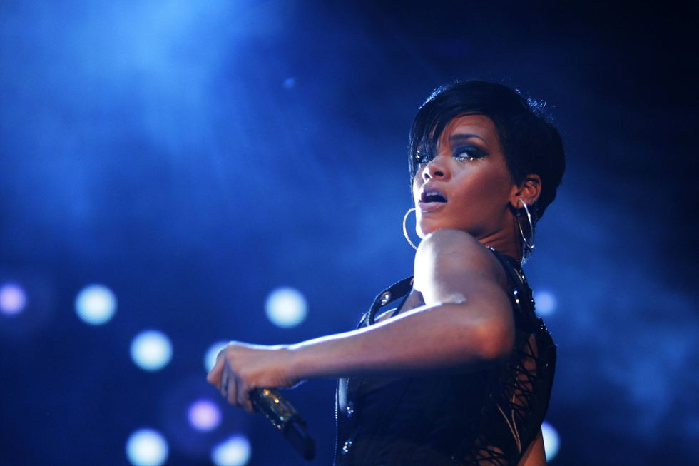 rihanna-performs-during-concert-in-singapore-01