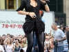 rihanna-performs-live-on-the-cbs-early-show-in-new-york-city-08