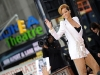 rihanna-performs-on-good-morning-america-in-new-york-04