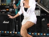 rihanna-performs-on-good-morning-america-in-new-york-06
