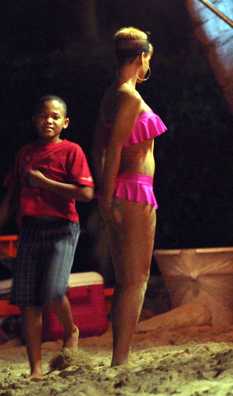 rihanna-pink-bikini-candids-at-the-beach-in-barbados-10