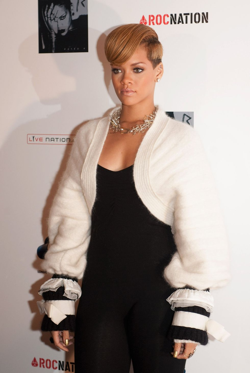 rihanna-qa-at-the-meat-wine-co-westfield-in-london-01