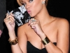 rihanna-rated-r-album-promotion-at-best-buy-03