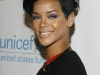 rihanna-unicef-snowflake-lighting-cceremony-at-grand-army-plaza-01