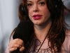 rose-mcgowan-tribute-to-johnny-ramone-in-los-angeles-02