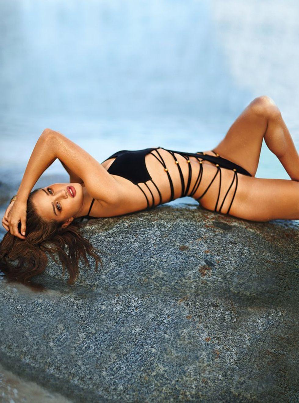 rosie-huntington-whiteley-victorias-secret-bikini-photoshoot-mq-01