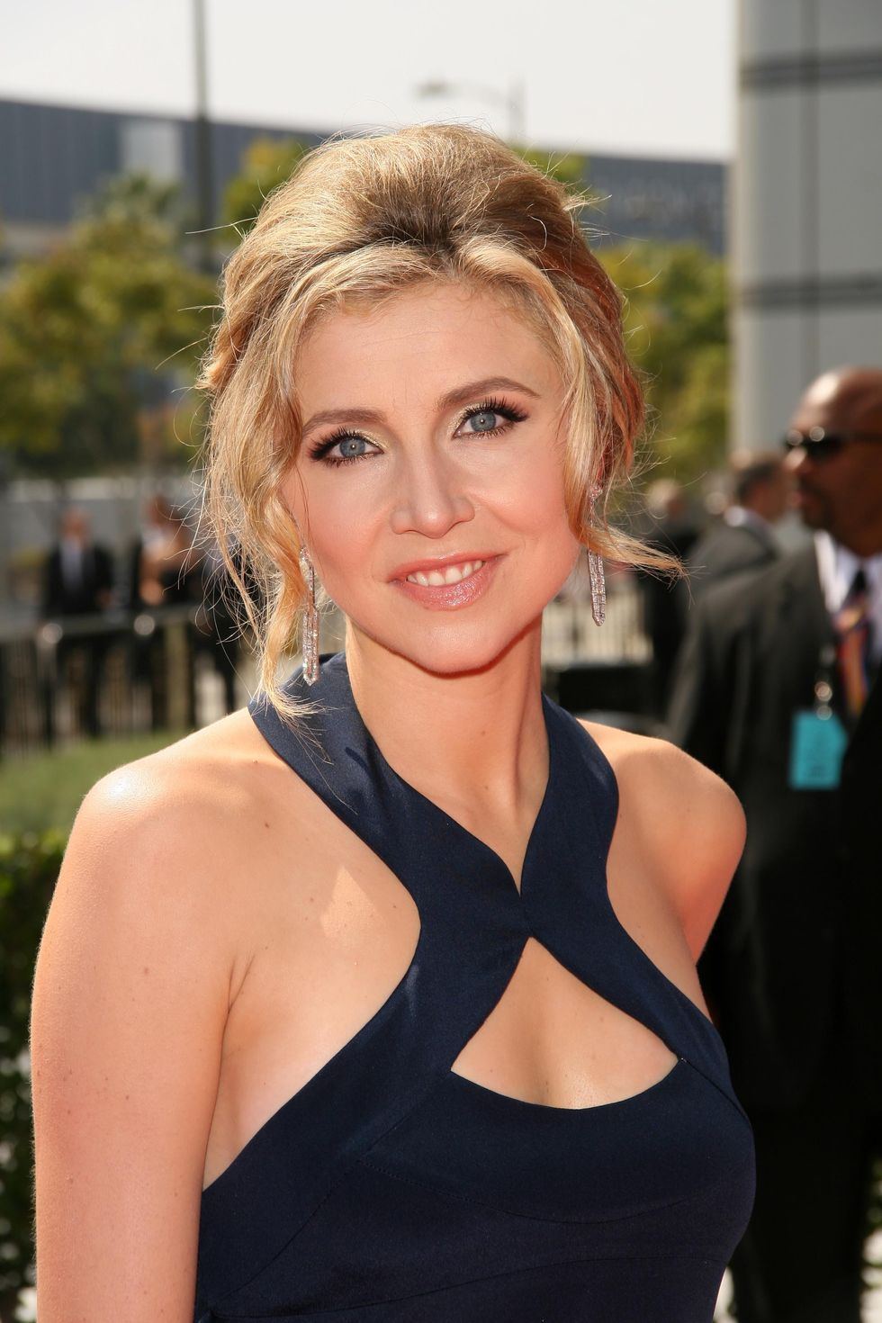 sarah-chalke-2008-creative-arts-emmy-awards-in-los-angeles-01