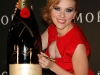 scarlett-johansson-moet-chandon-tribute-to-cinema-in-tokyo-05