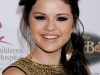 selena-gomez-5th-annual-runway-for-life-gala-in-beverly-hills-02