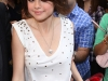 selena-gomez-visits-the-alexa-chung-show-in-new-york-03