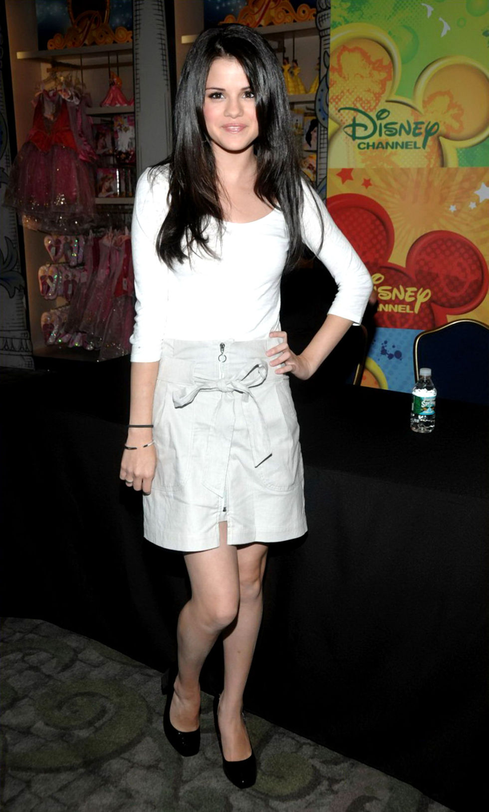 selena-gomez-wizards-of-waverly-place-press-conference-01