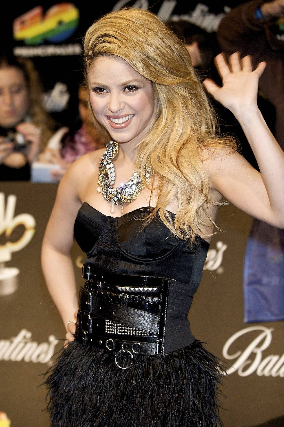 shakira-40-principales-2009-awards-in-madrid-01