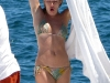 sienna-miller-bikini-candids-in-los-cabos-in-mexico-03