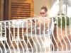 sienna-miller-bikini-candids-in-positano-03