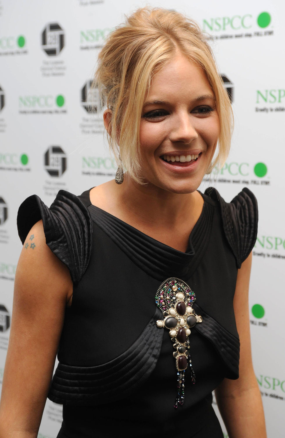 sienna-miller-the-london-film-critics-circle-awards-01