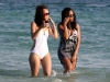solange-knowles-at-the-beach-in-miami-04