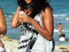solange-knowles-at-the-beach-in-miami-15