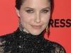 sophia-bush-leggy-in-short-dress-at-hollywood-style-awards-03