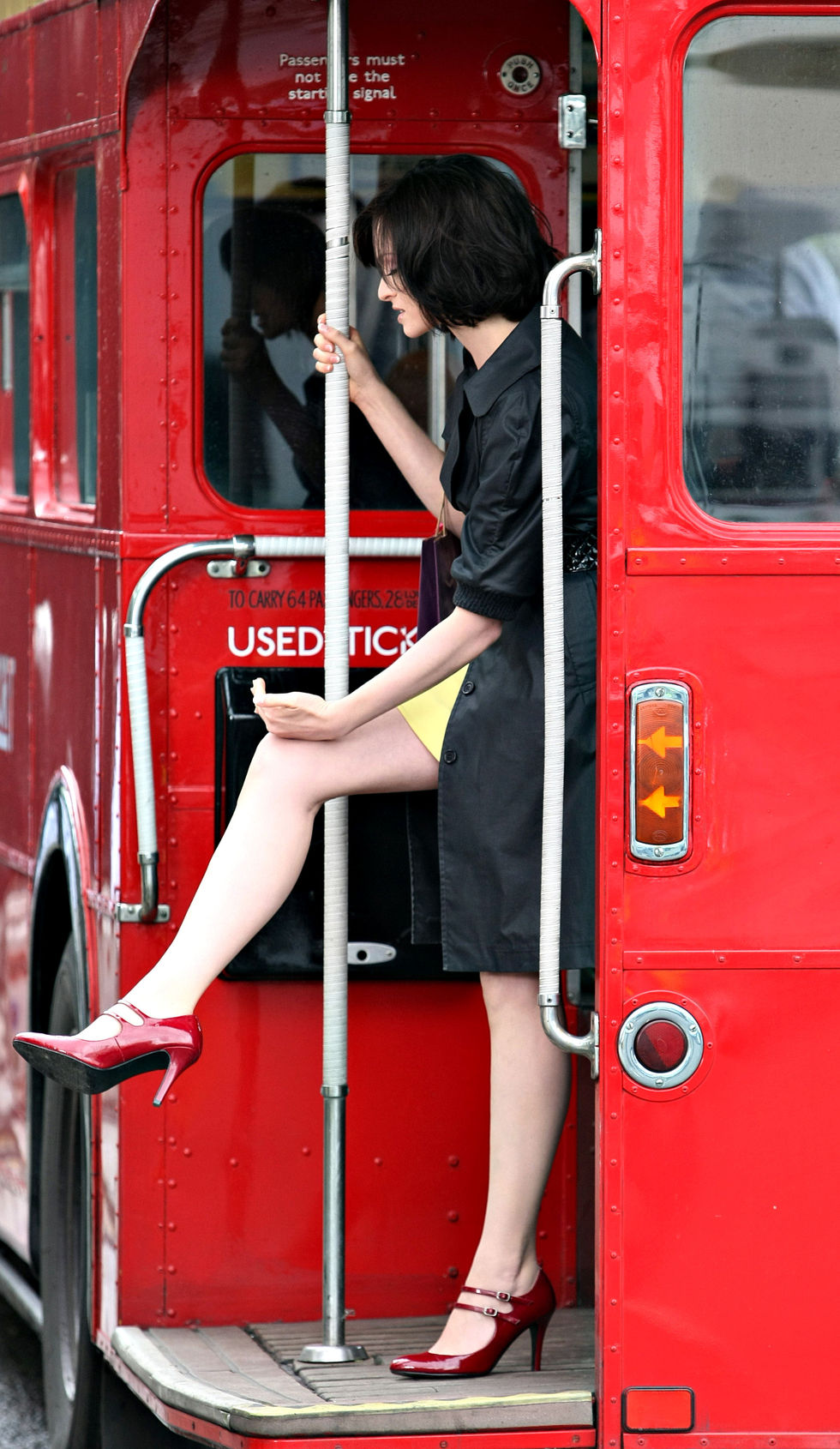 sophie-ellis-bextor-on-the-set-of-the-rimmel-advert-01