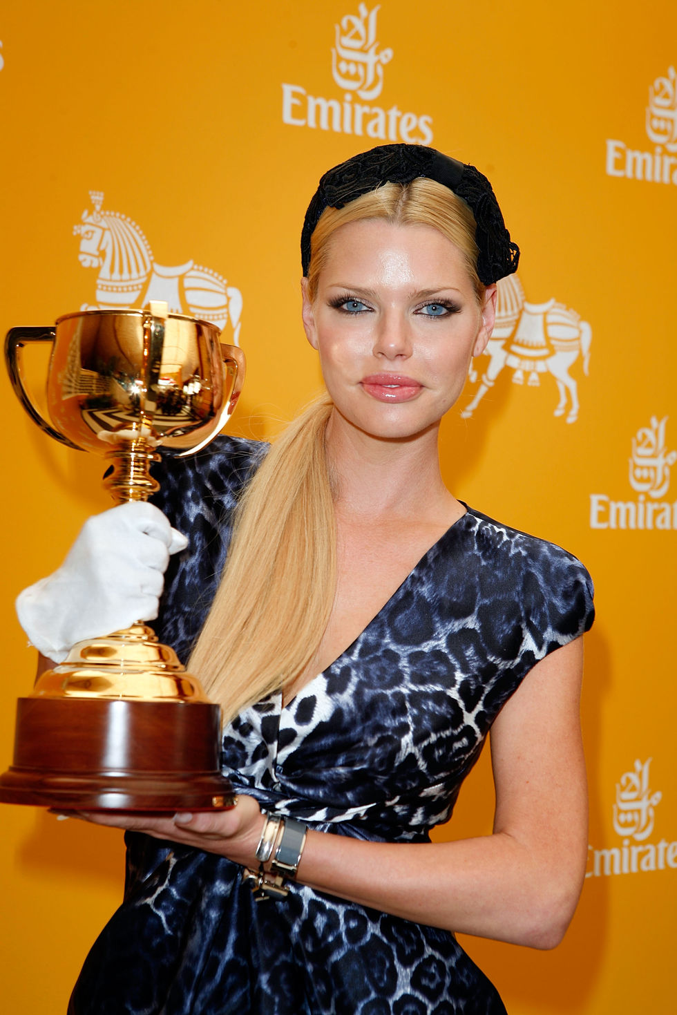 sophie-monk-emirates-melbourne-cup-day-2009-01