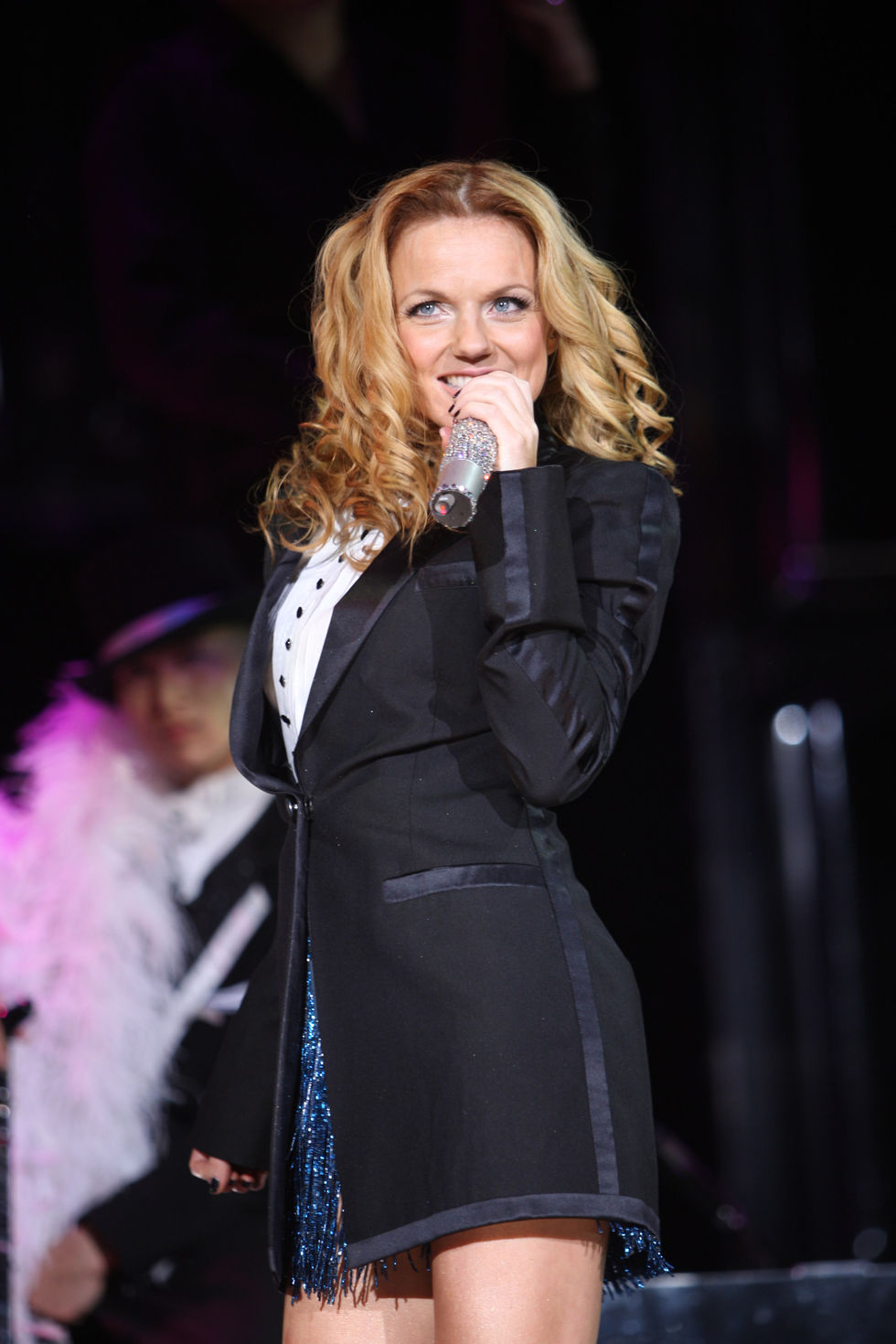 spice-girls-perform-on-stage-at-madison-square-gardens-in-new-york-city-26