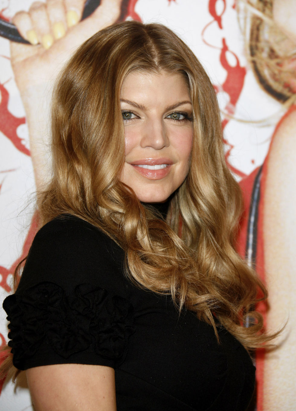 fergie-launching-spring-2008-handbag-collection-01
