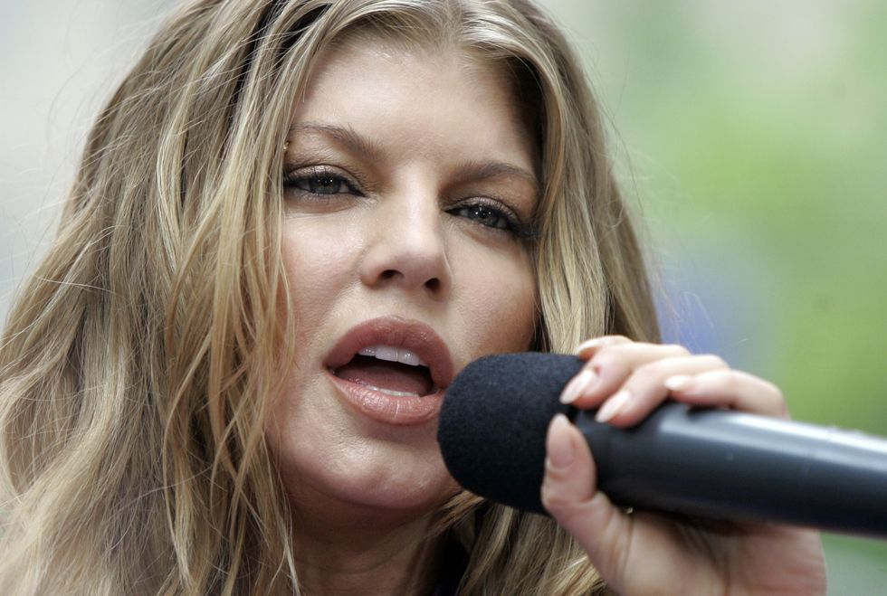 fergie-performs-on-the-nbc-today-show-in-new-york-01