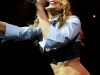 stacy-fergie-ferguson-onstage-at-la-borgata-in-atlantic-city-04