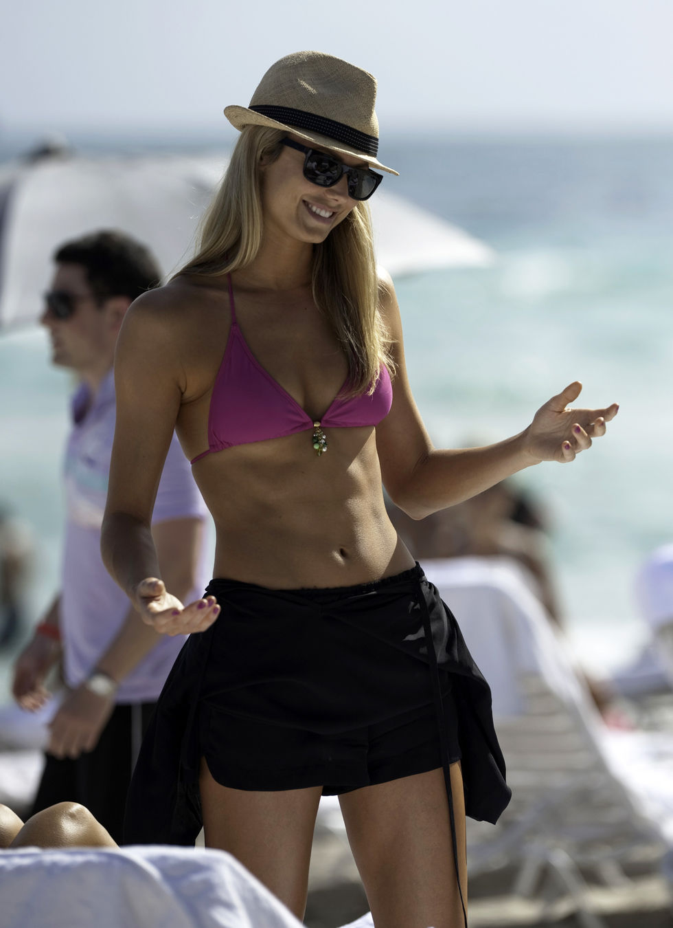 stacy-keibler-in-bikini-at-the-beach-in-miami-01
