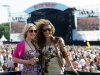 sugarbabes-at-isle-of-wight-festival-07
