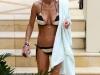 tara-reid-bikini-candids-in-palazzo-versace-hotel-at-the-gold-coast-11