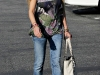 tara-reid-cleavage-candids-in-hollywood-04