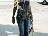 tara-reid-cleavage-candids-in-hollywood-05