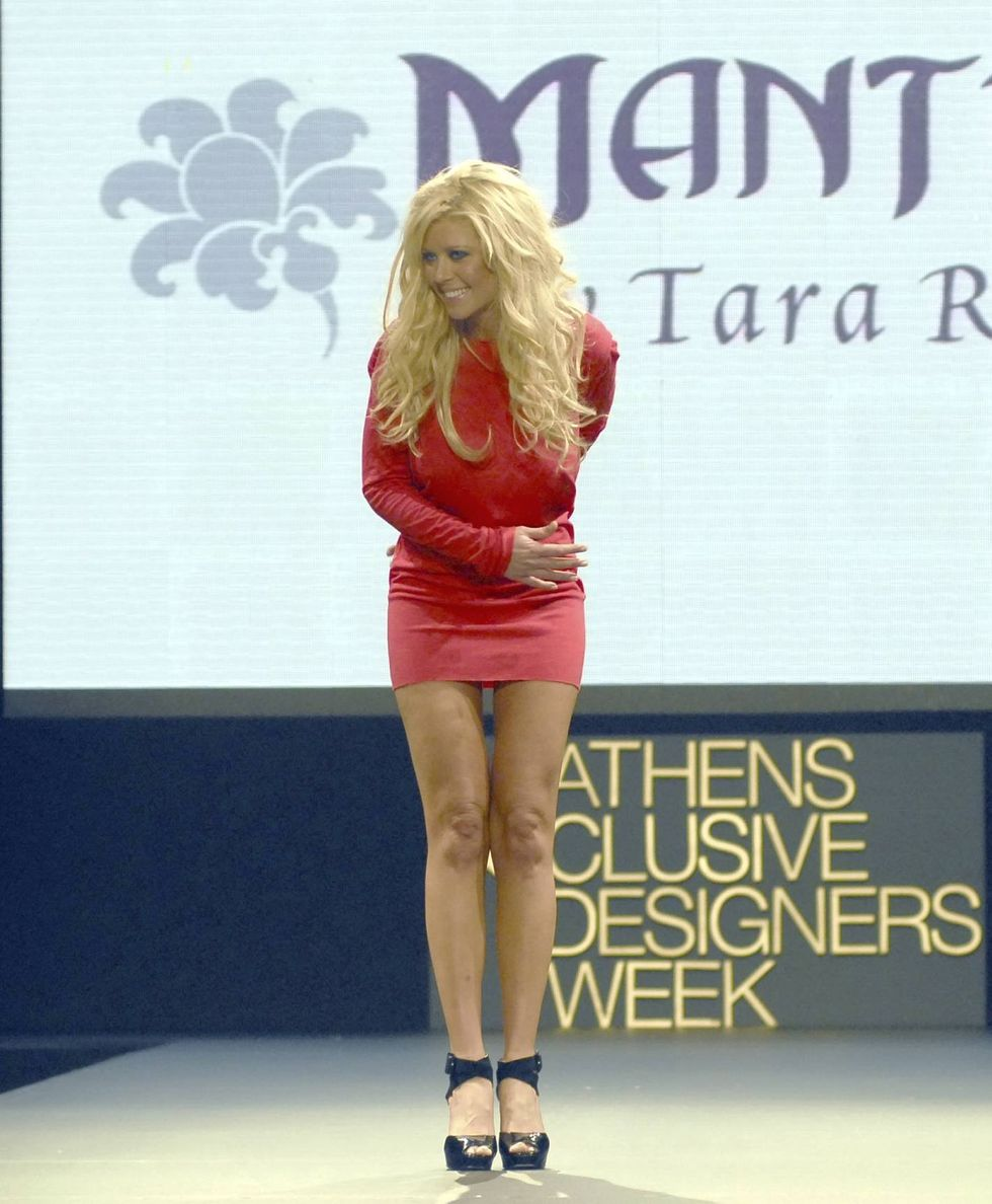 tara-reid-presents-mantra-clothing-line-in-athens-01