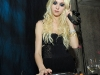 taylor-momsen-2009-whitney-museum-gala-studio-party-01