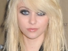 taylor-momsen-at-fashion-week-spring-2010-in-new-york-10