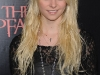 taylor-momsen-leggy-at-the-stepfather-movie-premiere-03