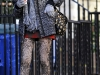 taylor-momsen-leggy-candids-at-gossip-girl-set-in-new-york-04