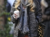 taylor-momsen-leggy-candids-at-gossip-girl-set-in-new-york-06