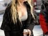 taylor-momsen-on-gossip-girl-set-in-new-york-06