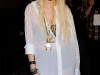taylor-momsen-perfoms-at-teen-vogue-fashions-night-out-fashion-show-01